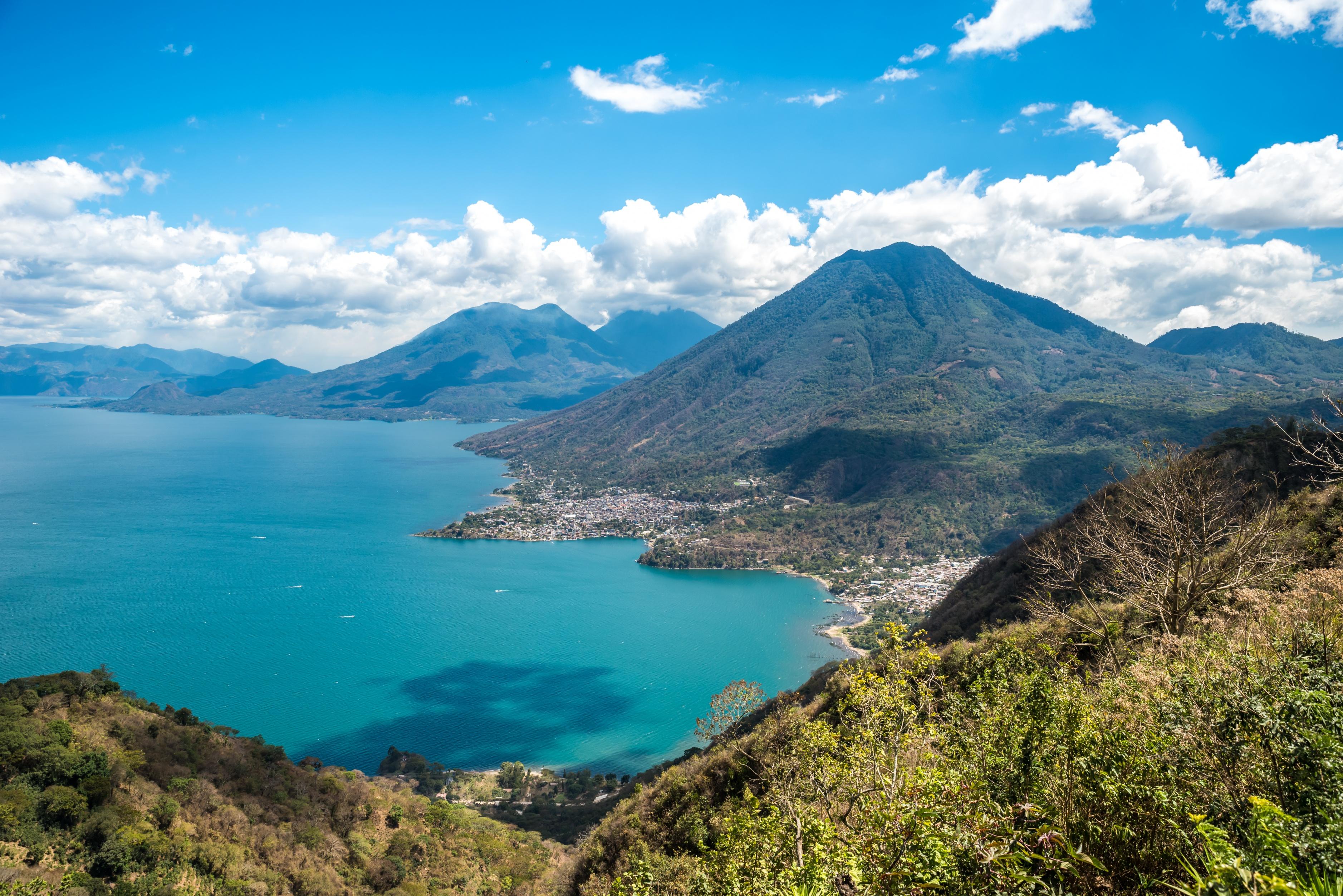 Nom : Lac Atitlan PVT Guatemala.jpg Affichages : 152 Taille : 3,37 Mo