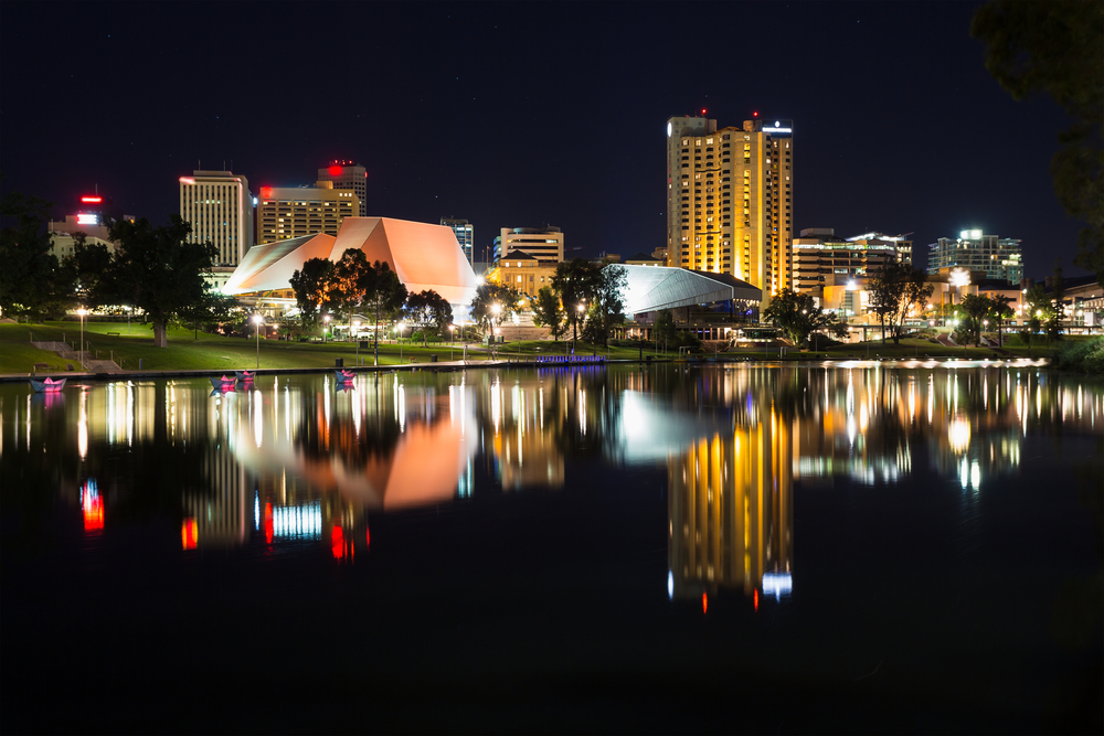 Nom : Adelaide-Australie-nuit.jpg Affichages : 349 Taille : 677,1 Ko
