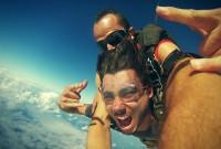 Vidéo : saut en parachute et découverte de Cairns