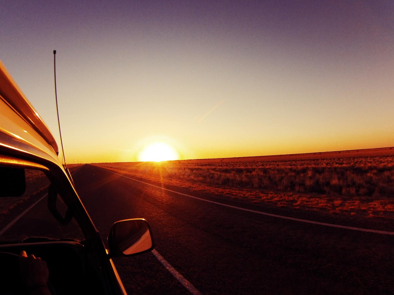 un road trip dans l 39 outback uluru et le d sert. Black Bedroom Furniture Sets. Home Design Ideas