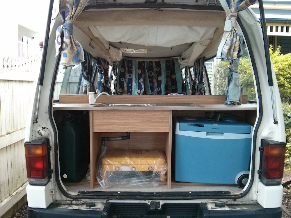 acheter un van en australie. Black Bedroom Furniture Sets. Home Design Ideas
