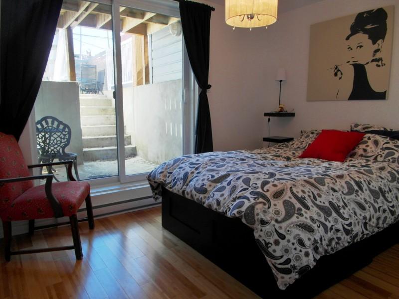 condo 3 tout meubl louer montr al. Black Bedroom Furniture Sets. Home Design Ideas