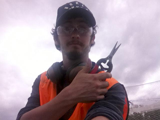 anthony-fruit-picking-in-tasmania-2
