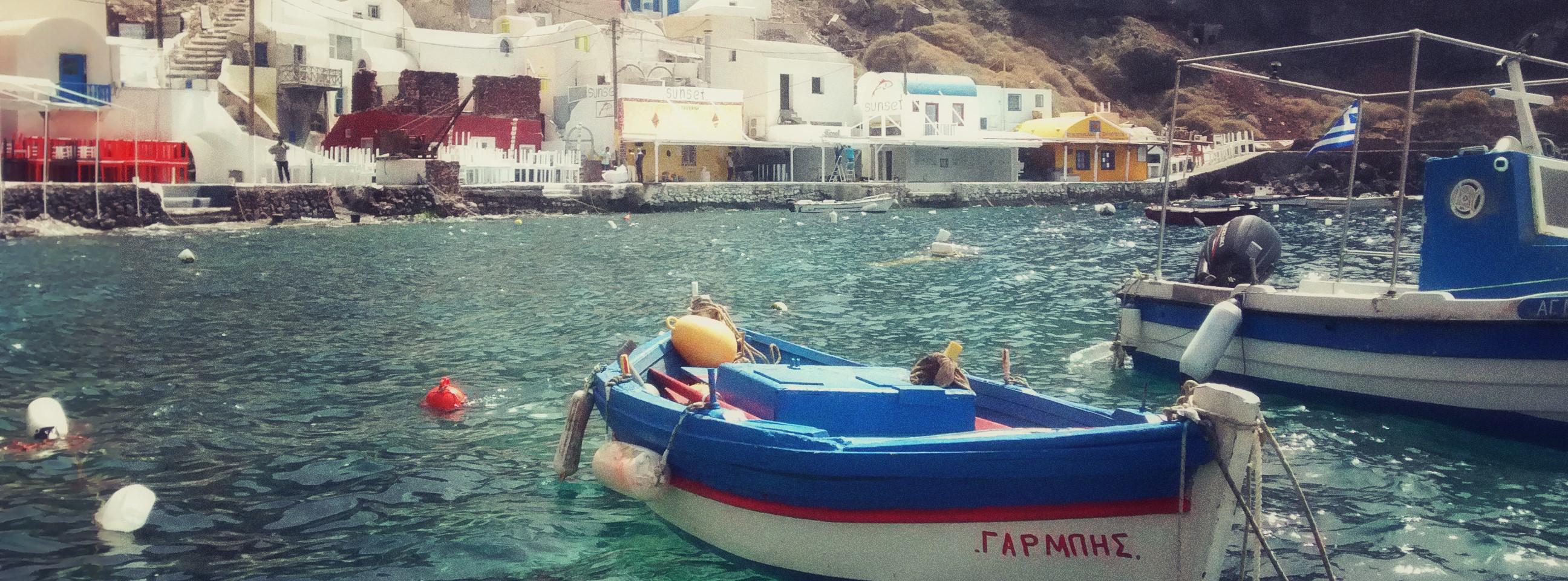 Bay of Ammoudi-Santorin