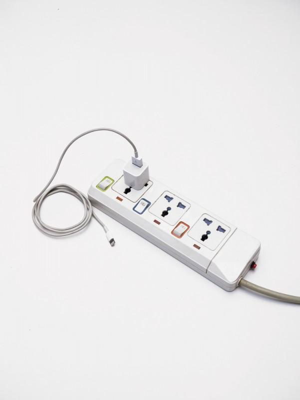 multiprise-adaptateur