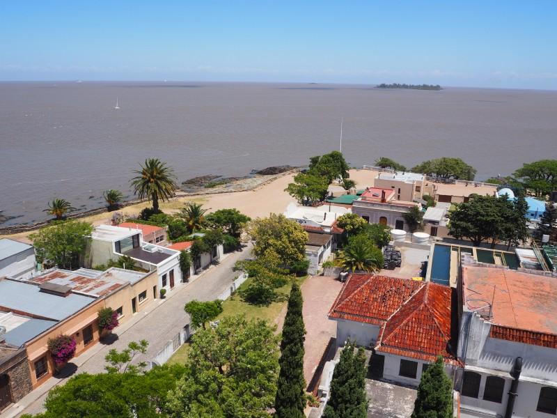 pvt-uruguay-colonia-vue-rio-phare