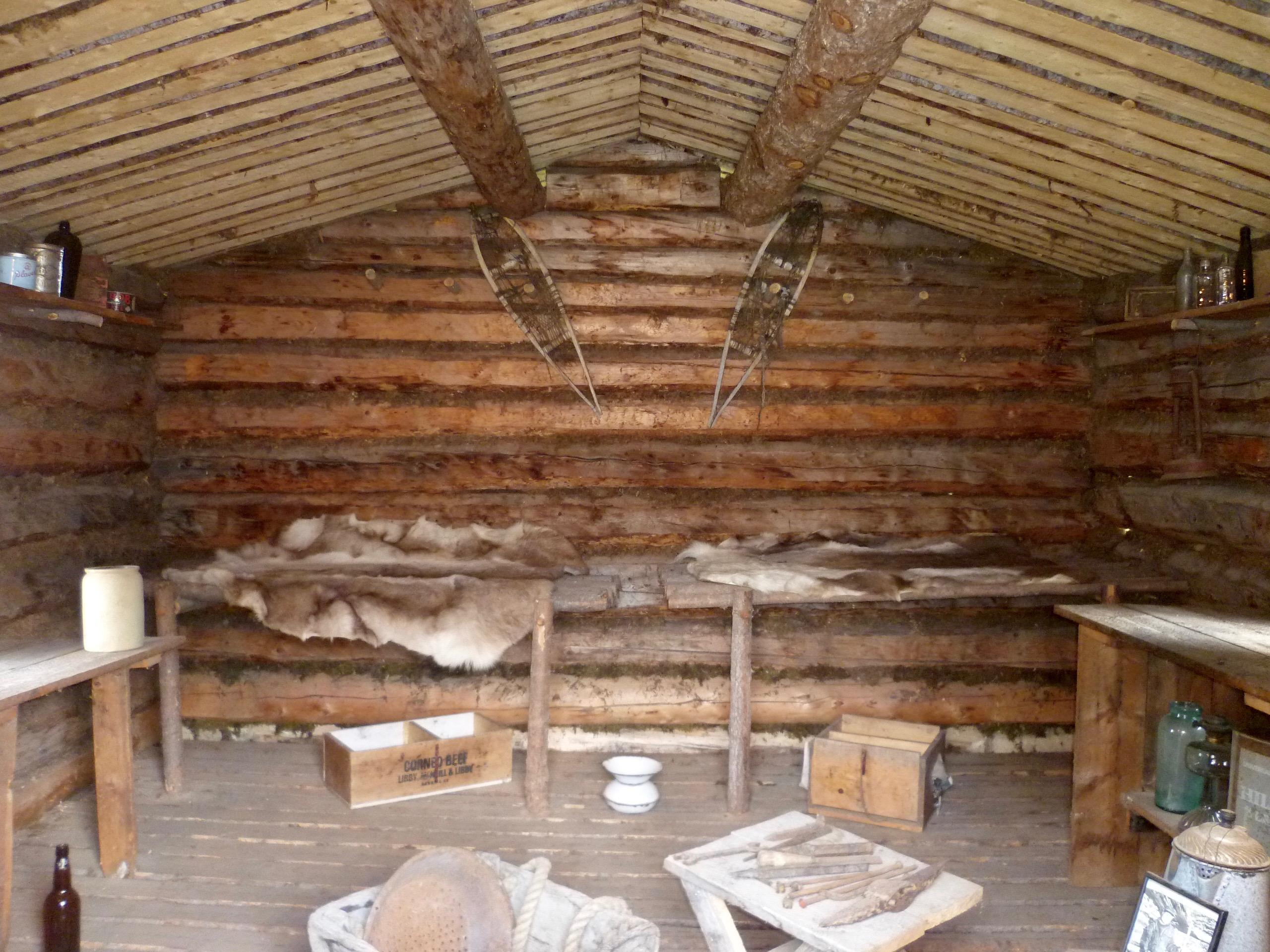 67-Interieur de la cabane de J.London