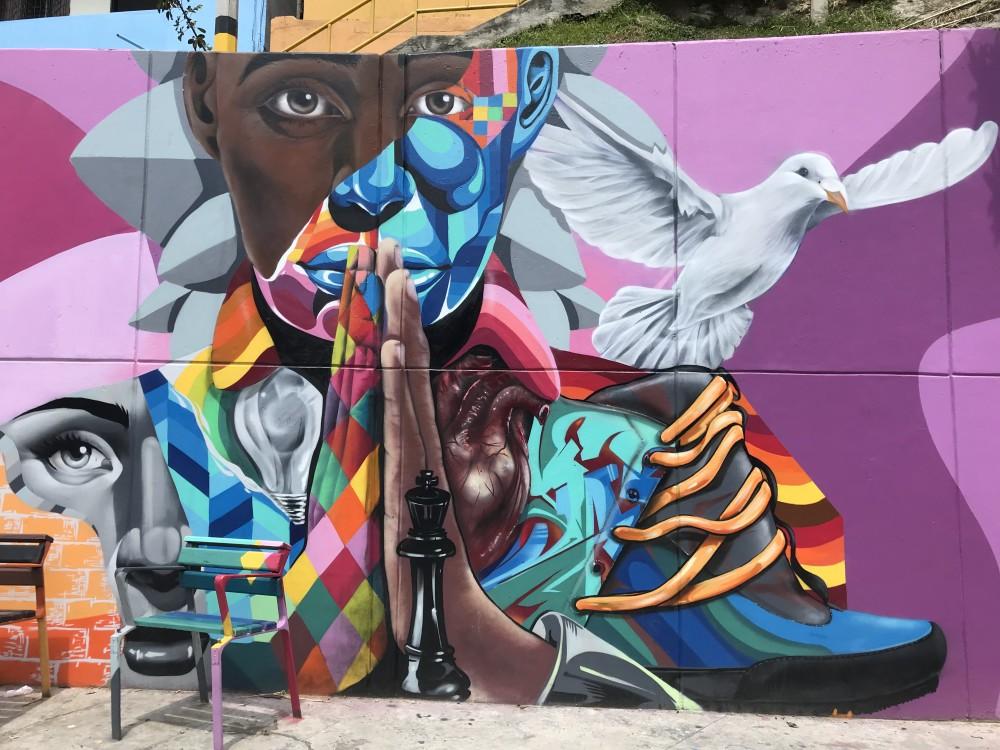 colombie-helene-comuna13-fresque