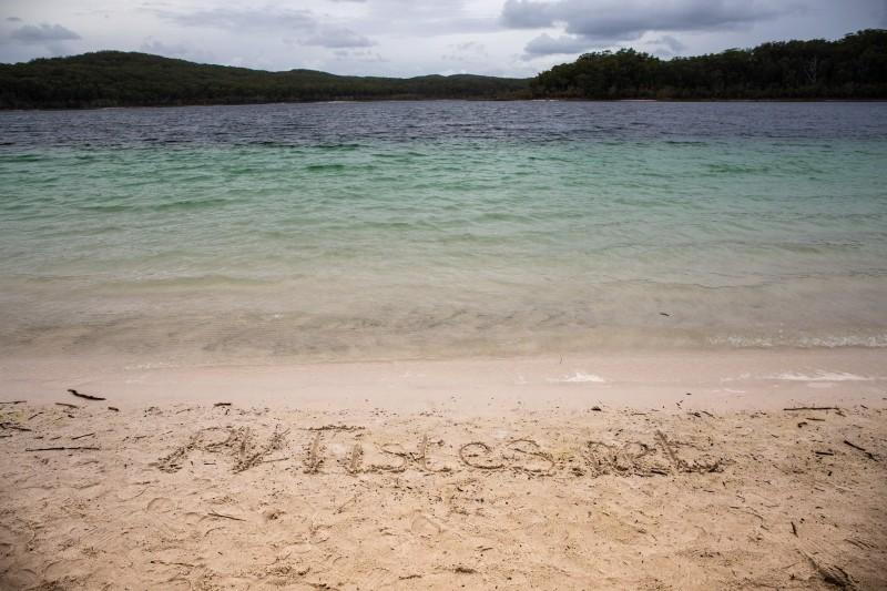 Fraser-Island-McKenzie-Lake